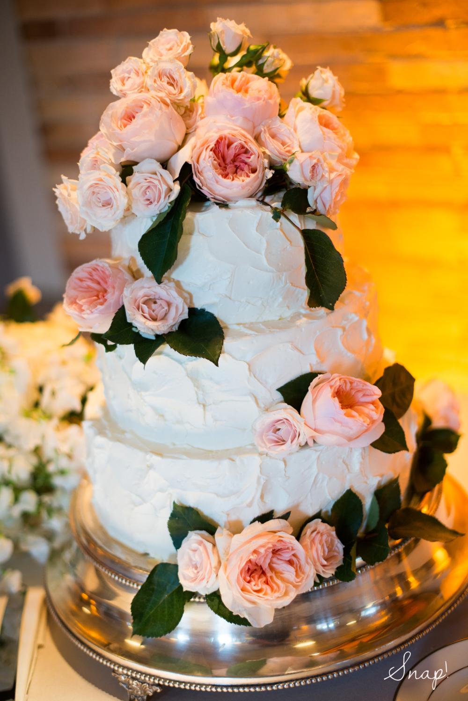 A Garden Roseadorned cake!