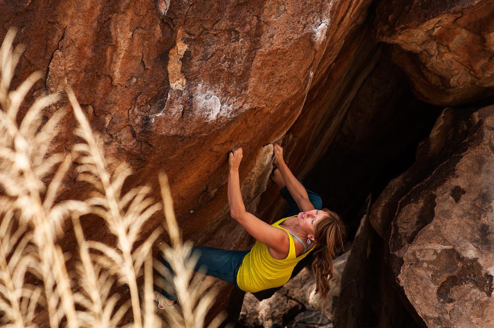 Climbing_HuecoTanks_TX.jpg