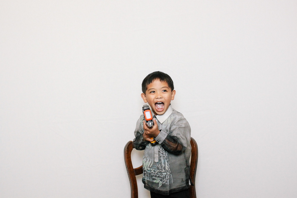 chico-photo-booth-boy-birthday-gun