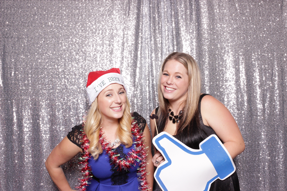 chico-california-photo-booth-rental-holiday-party-valley-oak-cute-christmas-girls