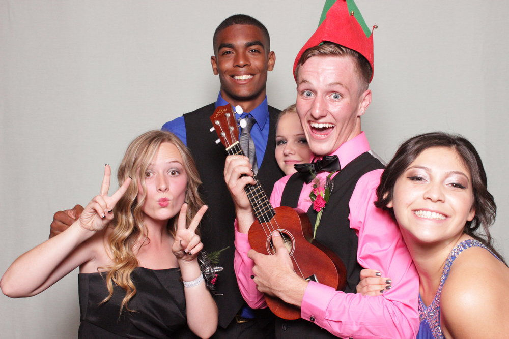 chico-rentals-photo-booth-fun-prom-event