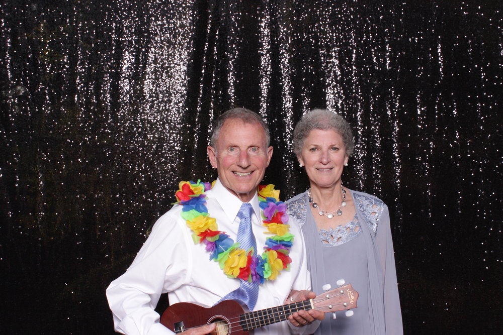 grandparents-in-photo-booth-chico