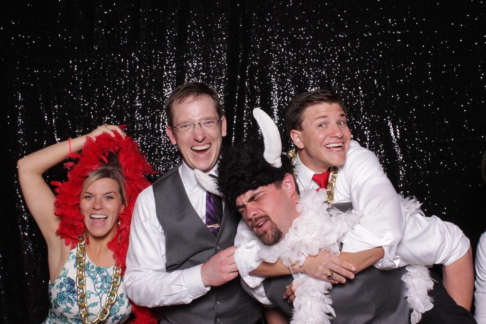 wedding-photo-booth-chico-rentals-trecreative