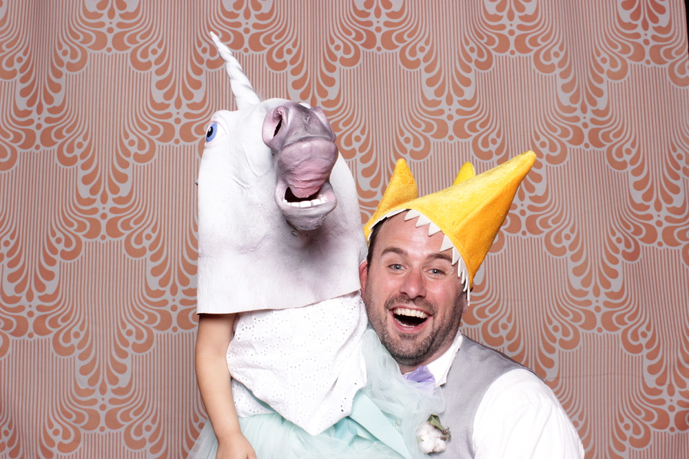 chico-photo-booth-rental-unicorn-child