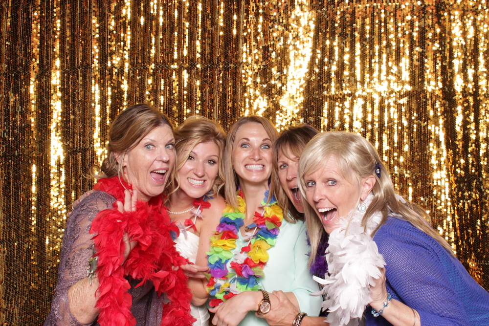 tuscan-ridge-photo-booth-rental-reception-family
