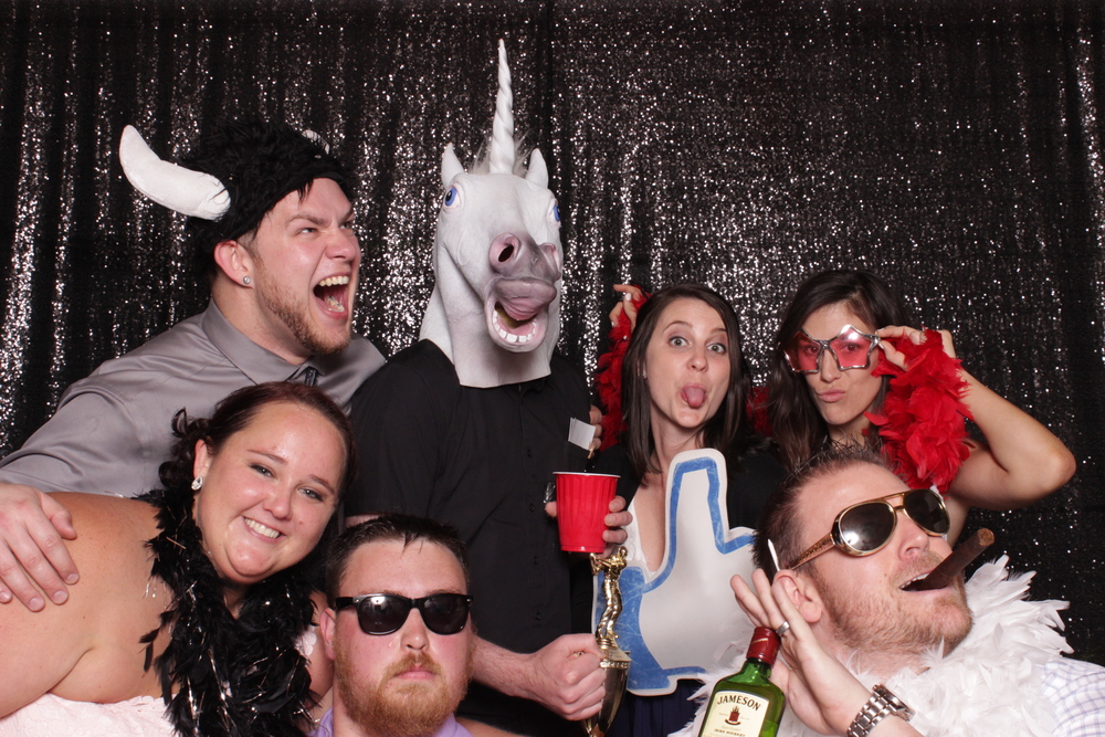 wedding-chico-open-air-photo-booth-unicorn-fun