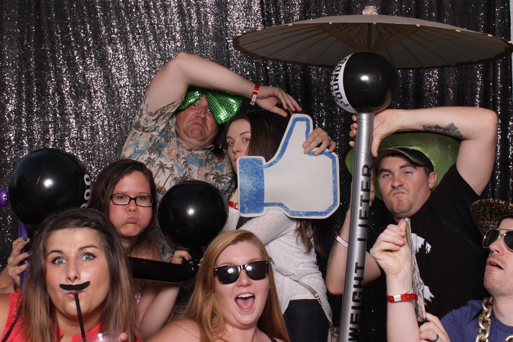 build-corporate-party-photo-booth-rental-thumbs-up