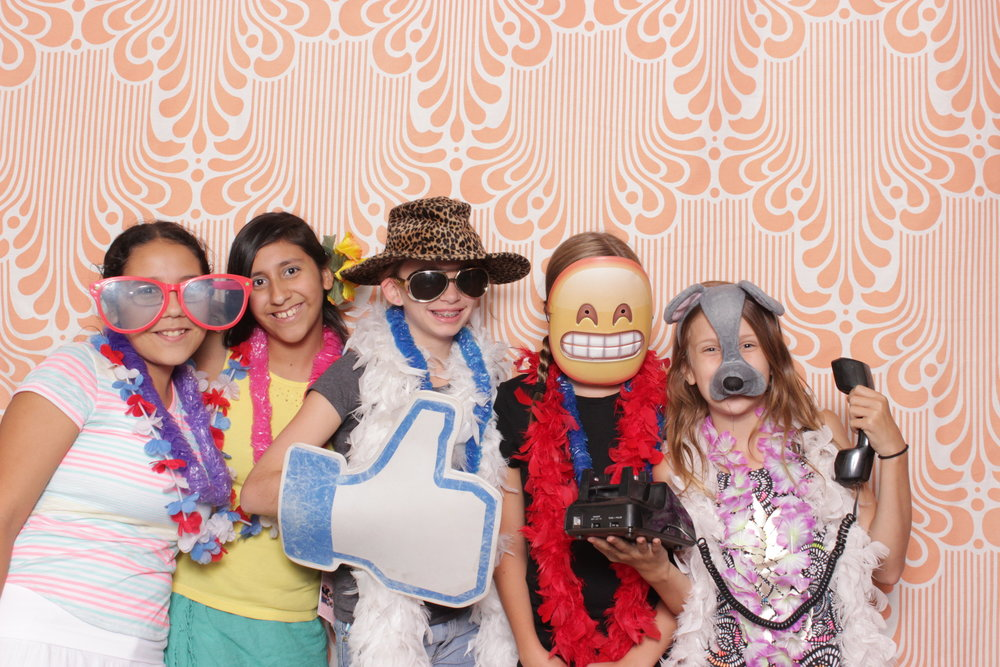 Infinite-hawaiian-luau-party-photo-booth-rental-chico-fun