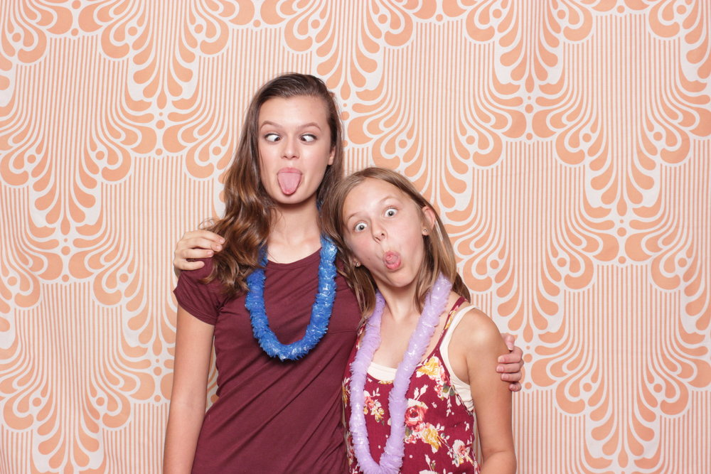 Infinite-hawaiian-luau-party-photo-booth-rental-chico-silly-monkeys