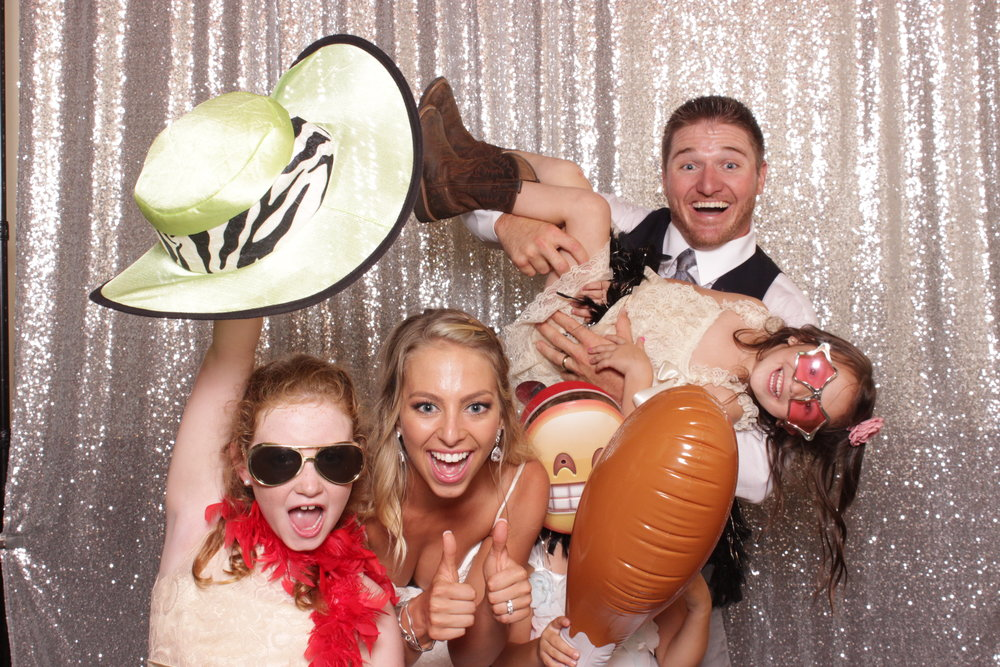 photo-booth-for-chico-wedding-party