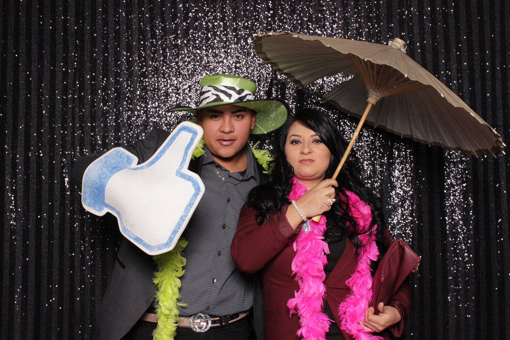 Chico-photo-booth-rental-fast-fun-full-of-smiles