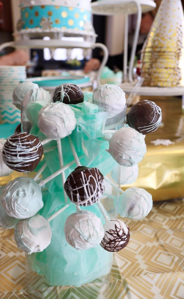 mint gold cakepops