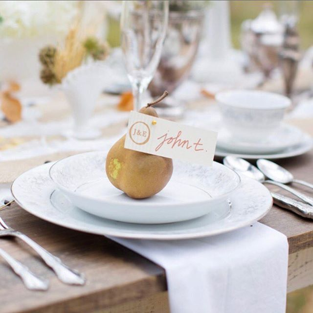 ...because creative place-settings! 😍 Hoping you had a wonderful Thanksgiving, friends!! . . . Stationery & Calligraphy: @veronicaprestondesign | Planning and Photography: @shutterchicphoto (now @chicnewmom) | Floral: @laceandlilies | Planning and Hair/Makeup: @bellesheasalon . . . #weddingstationery #weddingstationerysuites #weddingstationerydesigner #calligraphy #weddingplacecards #coloradoweddings #coloradodesigner #coloradobrides #imengaged #weddinginspo #weddinginspiration #weddingmenus #brandyourwedding #brandyourweddingday