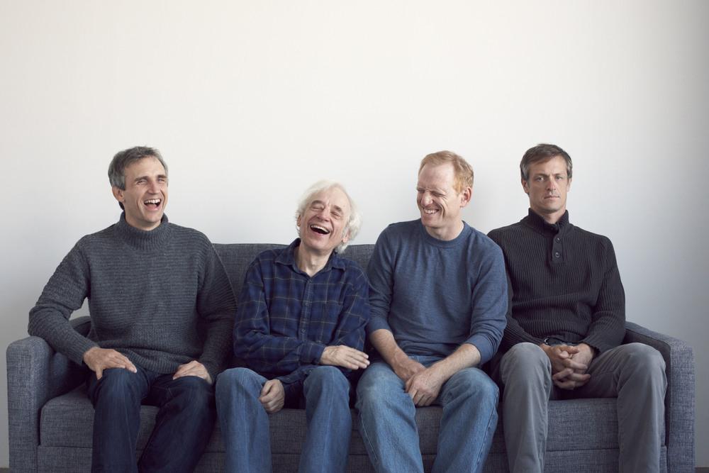 Weiße Heteros auf der Couch. © Blaine Davis