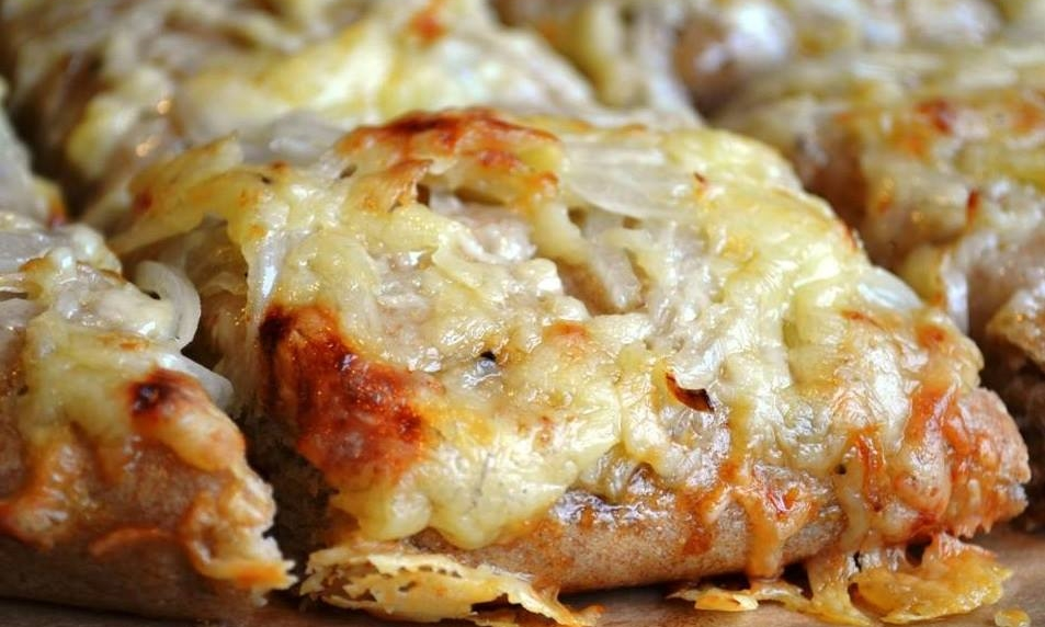 Onion and Cheese Bread