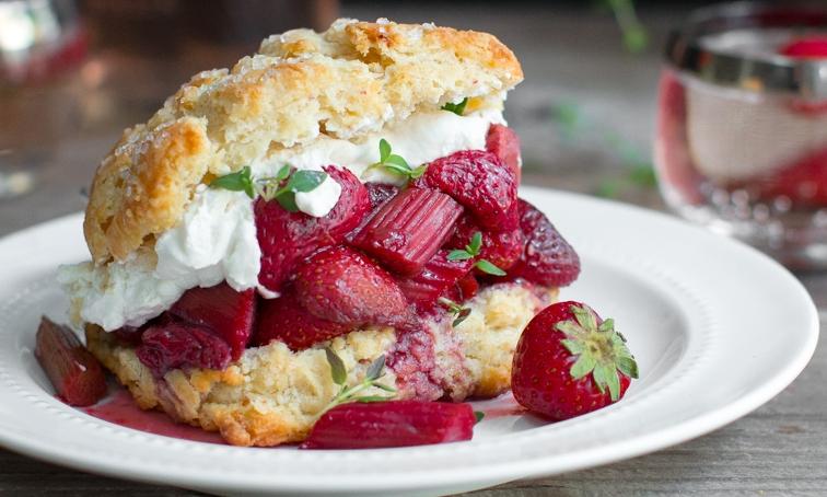 Rhubarb Strawberry Shortcake
