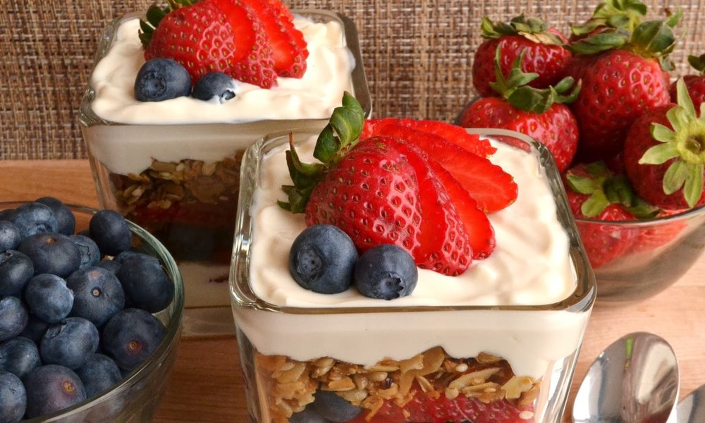 fruit and yogart parfait