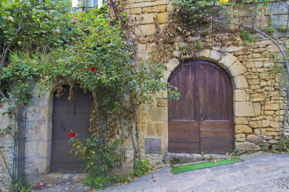 June_2013_France_Dordogne_Sarlat_La_Caneda_0148.jpg