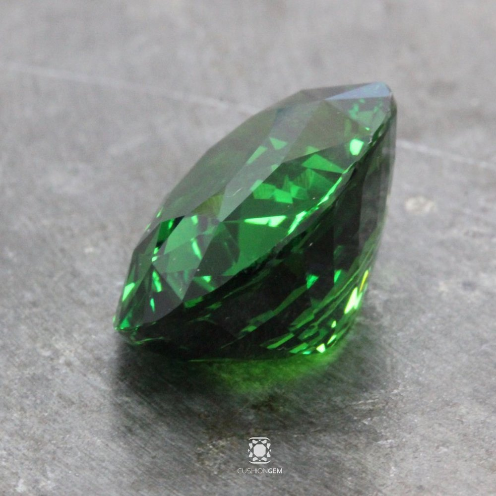 faceted mm tsavorite average gem accent round product carat mint green gemstone one