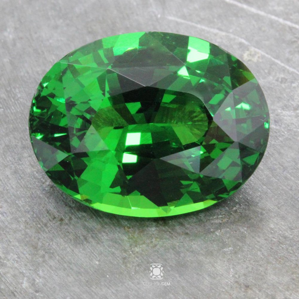 gem rare grossular gemmy green kenya gemstone pear garnet tsavorite very pin cab