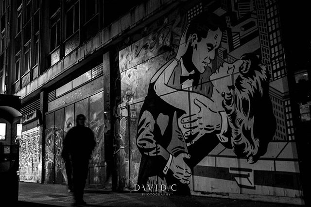 Photo by @davidcphotography_uk  while out honing skills with @mllphotography  Credit to the artist @richsimmonsart  #London #photographer #streetphotographer #streetart #graffiti #croydon #photowalk #eye #blackandwhite #canon #davidcphotography_uk #talent