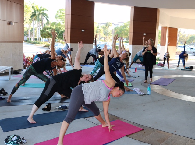 Yoga at Delicious Raw | Lean and Green Body Blog