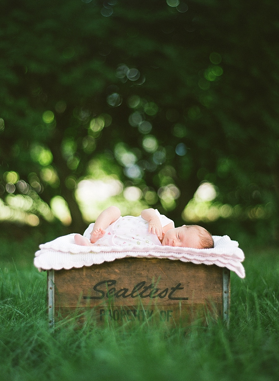 CT_Newborn_Session_C_0006.jpg
