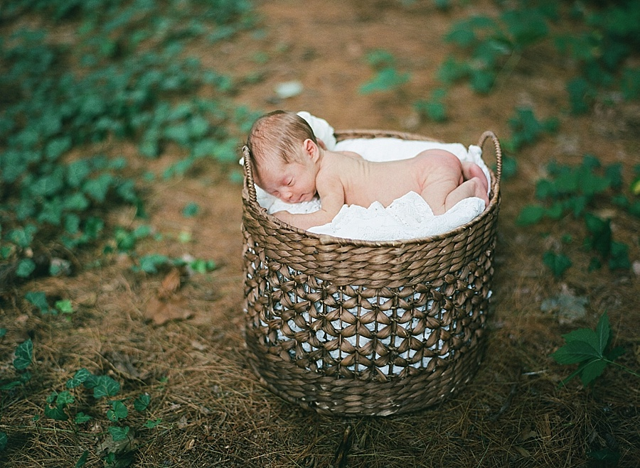 CT_Newborn_Session_C_0025.jpg
