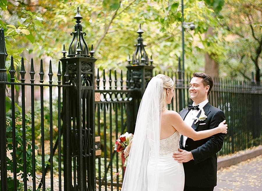 GRAMERCY_PARK_HOTEL_NYC_ROOFTOP_WEDDING_MT_011.jpg