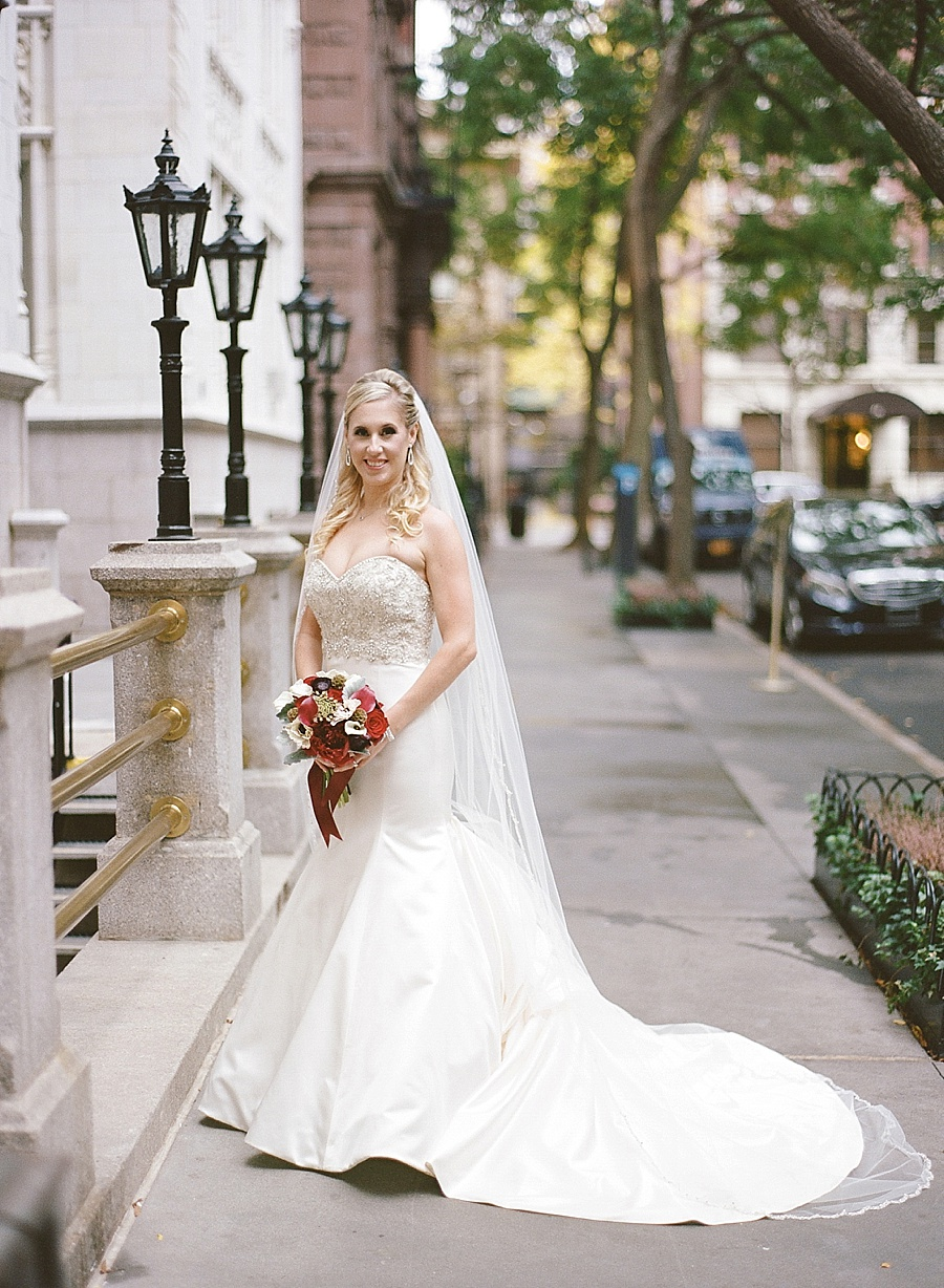 GRAMERCY_PARK_HOTEL_NYC_ROOFTOP_WEDDING_MT_017.jpg