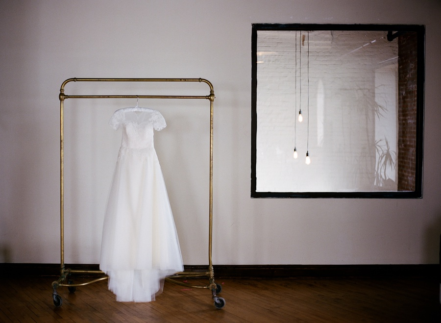 RKP_Liberty_Warehouse_Wedding_Brooklyn_NYC_04.jpg