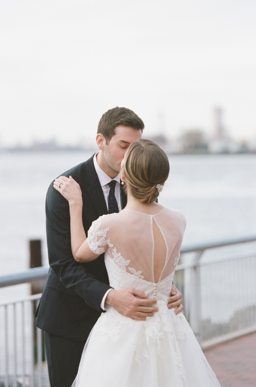 RKP_Liberty_Warehouse_Wedding_Brooklyn_NYC_18.jpg