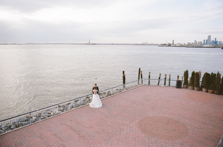 RKP_Liberty_Warehouse_Wedding_Brooklyn_NYC_21.jpg