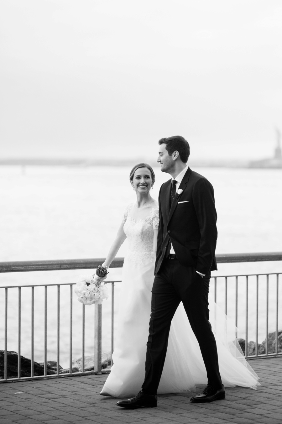 RKP_Liberty_Warehouse_Wedding_Brooklyn_NYC_29.jpg