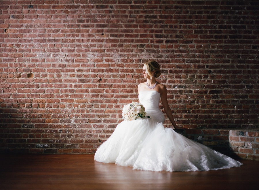 RKP_LIBERTY_WAREHOUSE_BROOKLYN_WEDDING_NYC_028.jpg