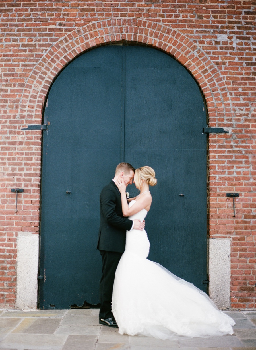 RKP_LIBERTY_WAREHOUSE_BROOKLYN_WEDDING_NYC_031.jpg