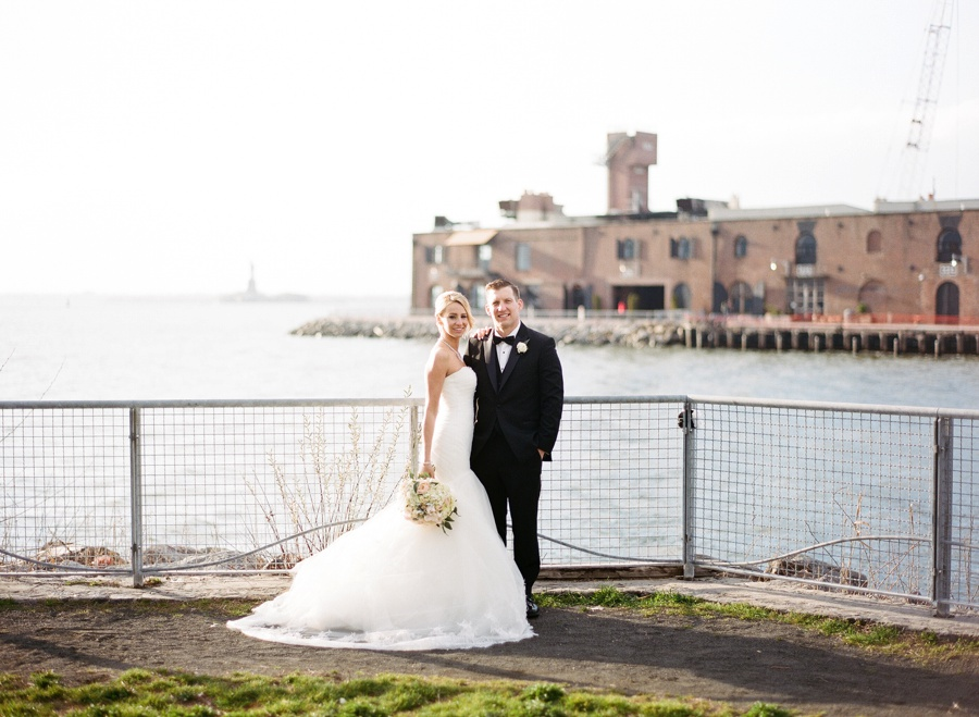RKP_LIBERTY_WAREHOUSE_BROOKLYN_WEDDING_NYC_035.jpg