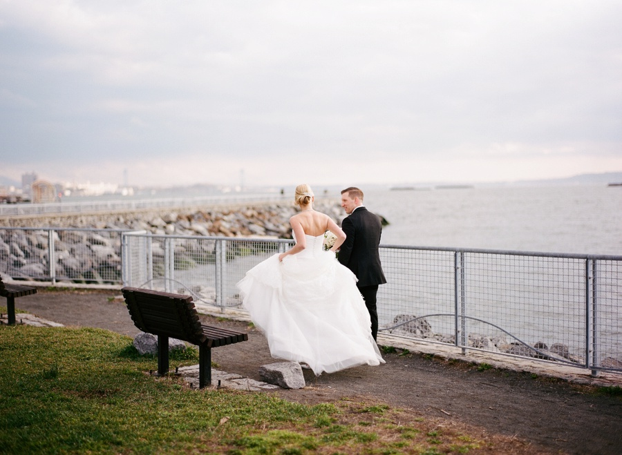 RKP_LIBERTY_WAREHOUSE_BROOKLYN_WEDDING_NYC_037.jpg