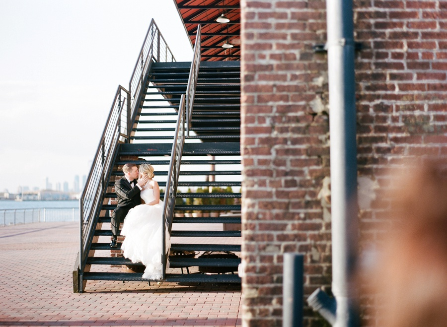 RKP_LIBERTY_WAREHOUSE_BROOKLYN_WEDDING_NYC_042.jpg