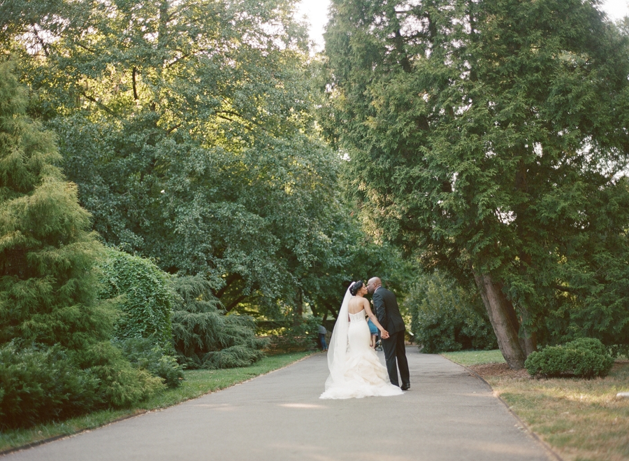 RKP_BROOKLYN_BOTANIC_WEDDING_NY_020.jpg