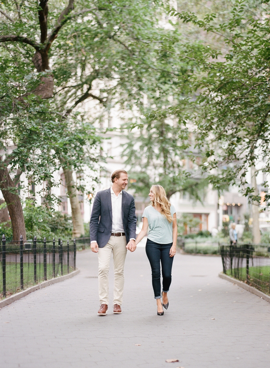 Madison_Square_Park_NYC_Engagement_Session_RKP_11.jpg