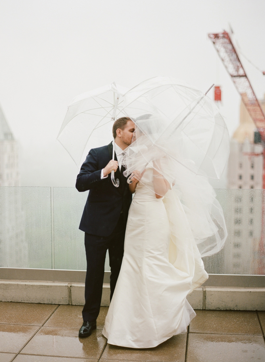 Le_Parker_Meriden_NYC_Rainy_Day_Wedding_TB_0036.jpg