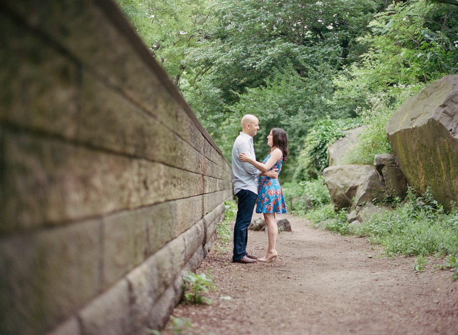 Central_Park_Engagement_Session_NYC_AN_02.jpg