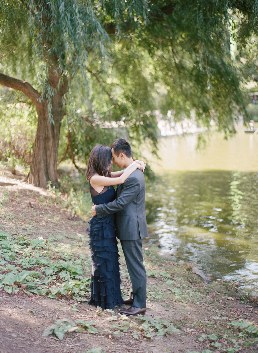 Central_Park_Lincoln_Center_NYC_Engagement_Session_AG_001.jpg