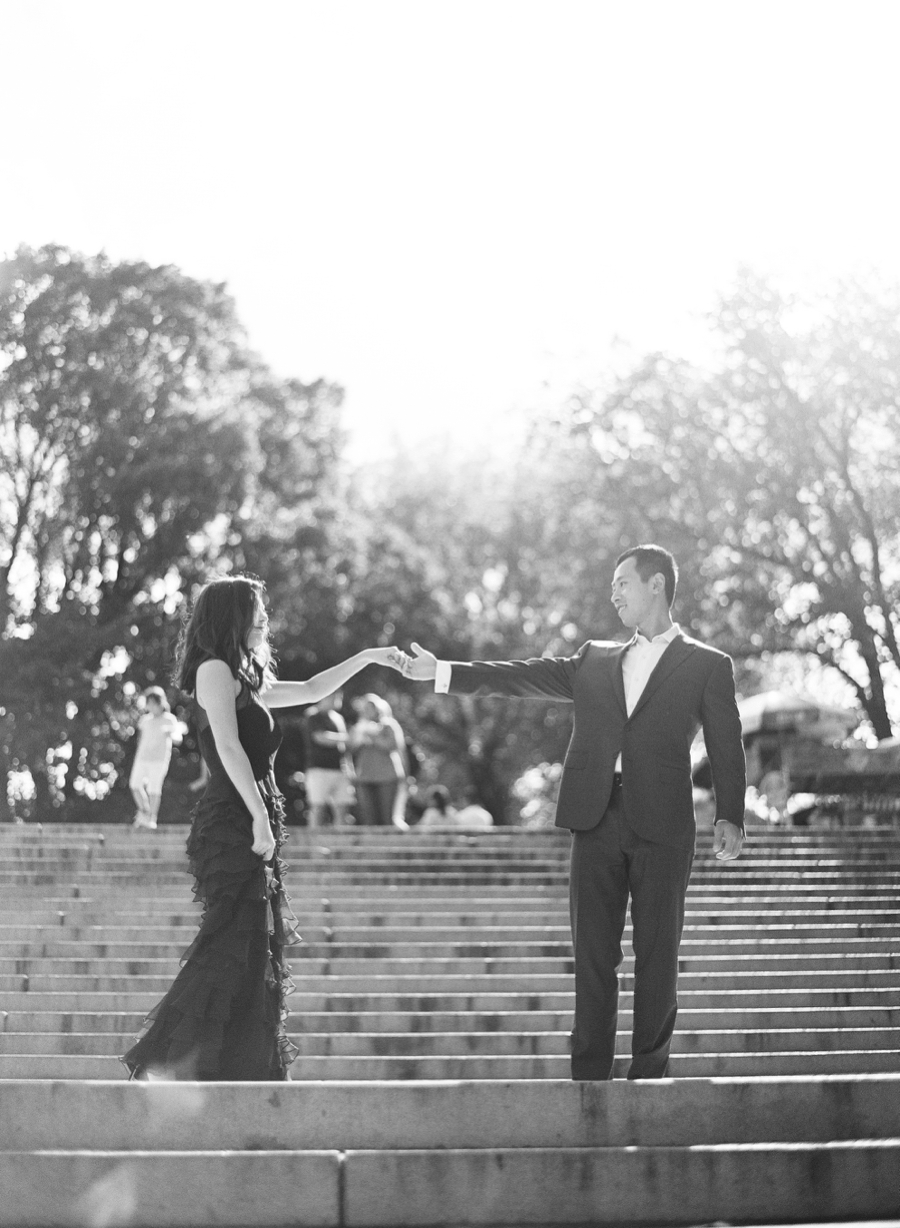 Central_Park_Lincoln_Center_NYC_Engagement_Session_AG_004.jpg