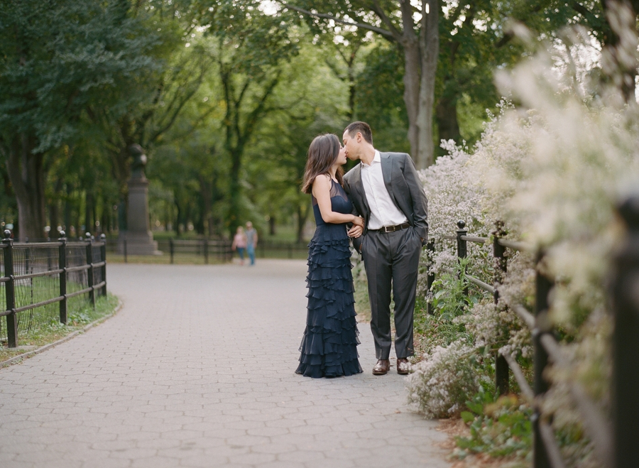 Central_Park_Lincoln_Center_NYC_Engagement_Session_AG_009.jpg