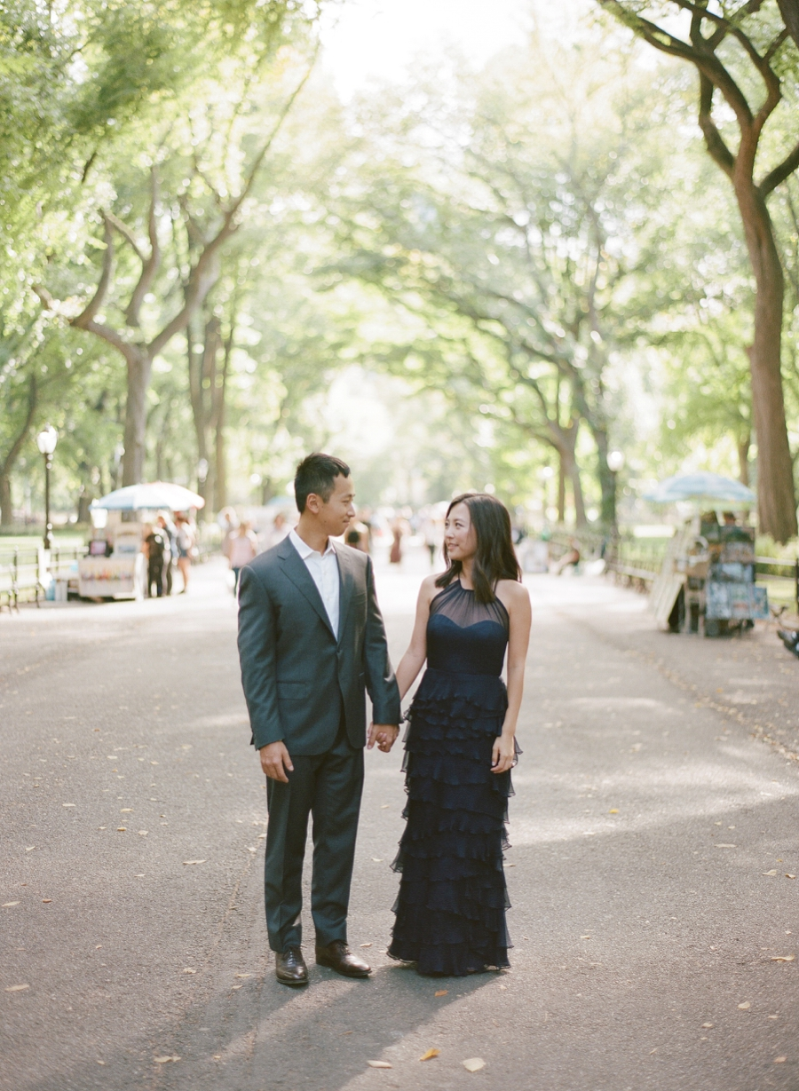 Central_Park_Lincoln_Center_NYC_Engagement_Session_AG_012.jpg