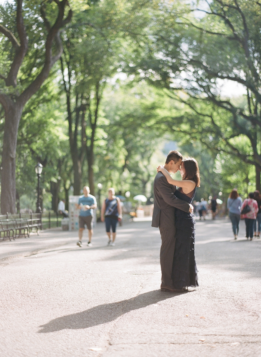 Central_Park_Lincoln_Center_NYC_Engagement_Session_AG_014.jpg