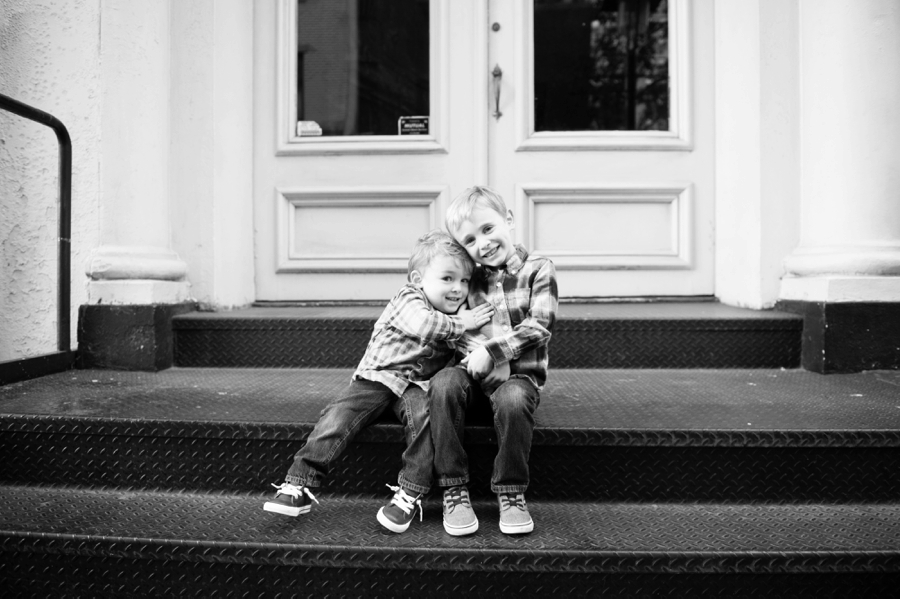 South_Street_Seaport_NYC_Family_Session_005.jpg
