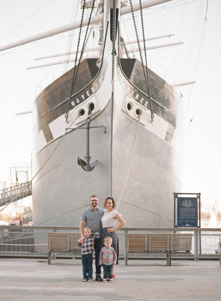 South_Street_Seaport_NYC_Family_Session_011.jpg